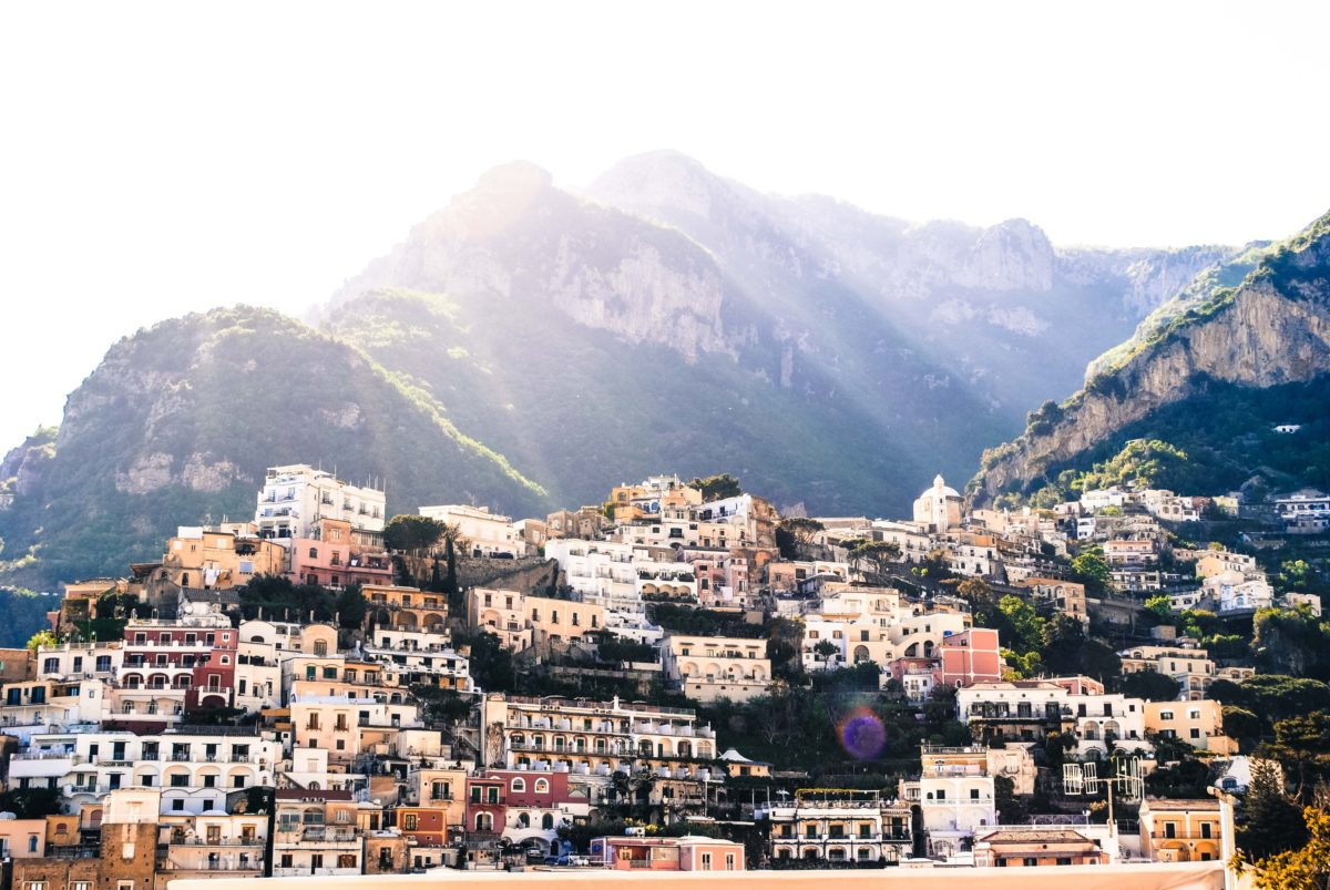 How to Fly to the Amalfi Coast for Your Holiday